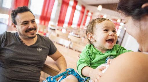 Doni a una famiglia quello di cui ha bisogno per affrontare l'ospedalizzazione improvvisa del proprio bambino.