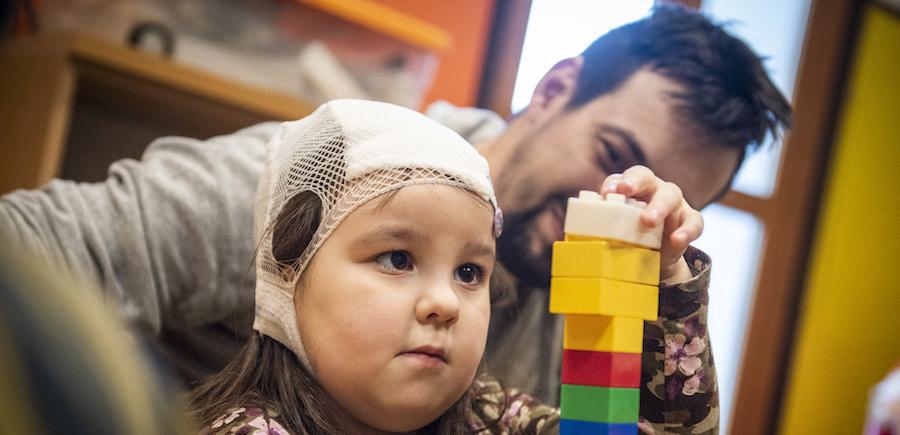 Doni ad una mamma o a un papà la possibilità di stare accanto al proprio bimbo per una settimana.