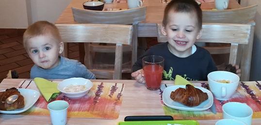 Doni una colazione in famiglia e la forza di affrontare la                                                             giornata                                                             in ospedale
